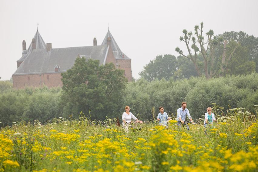 Tour de Waal op Slot Loevestein