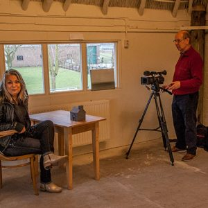 Filmen Regionale TV RTVBetuwe Haybarn Gallery Tuil, Joyce Bloem