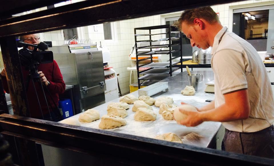 De Waalbroodjes Zijn Gebakken!