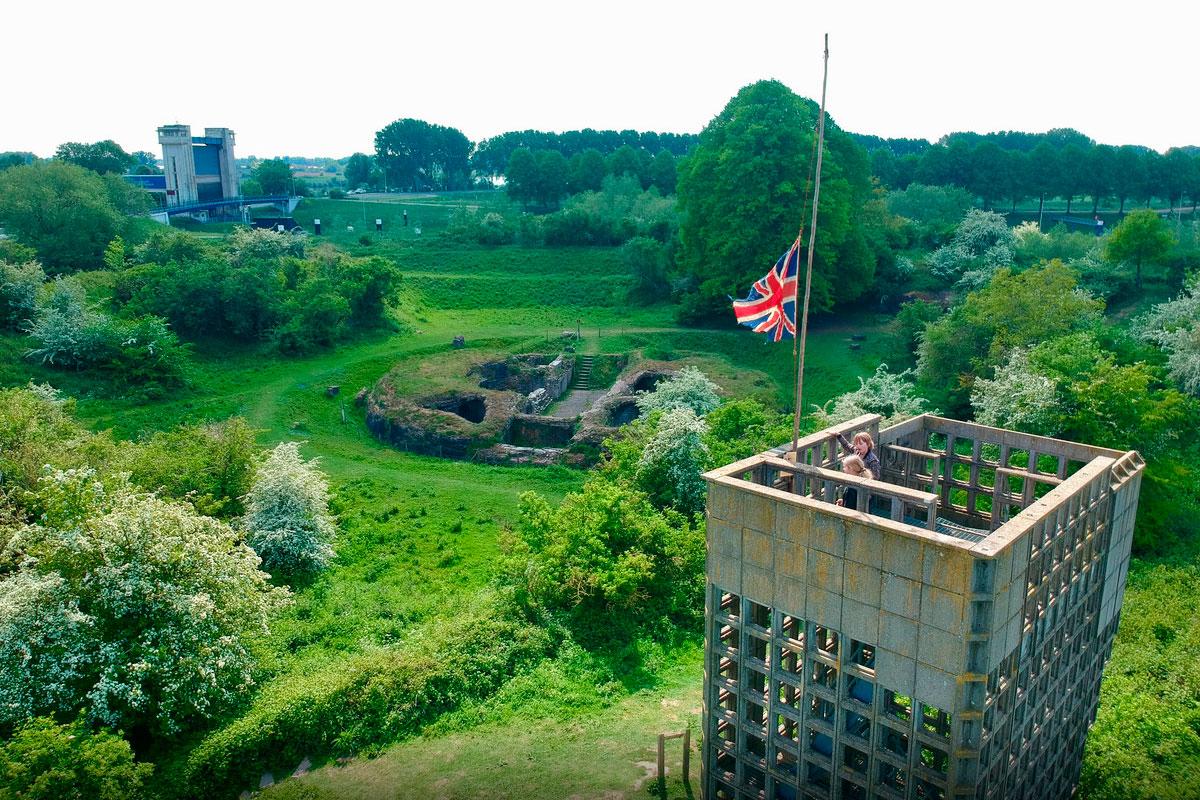 Sobere, Maar Stijlvolle Herdenking Op Fort Sint Andries